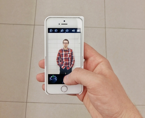 With COVR Photo you can easily take pictures using just one hand