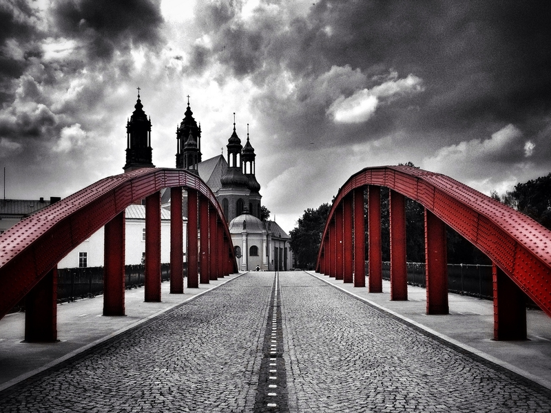 Red bridge, fot. Michał Koralewski